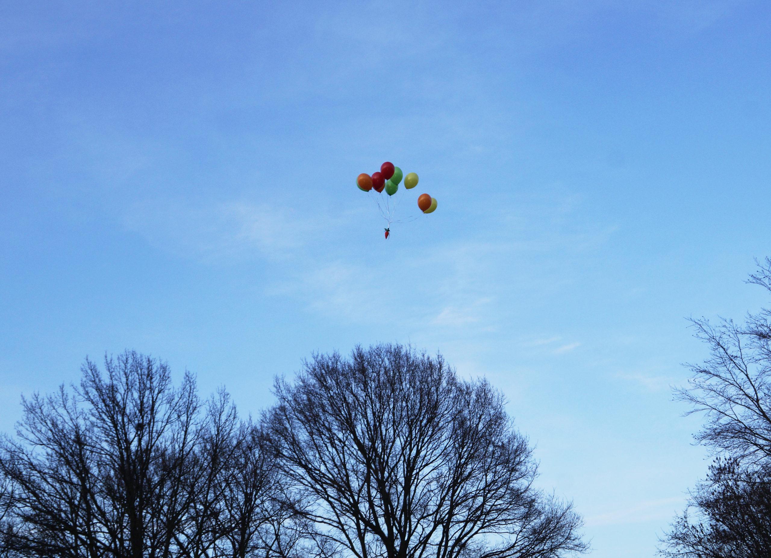 moeer aan ballonnen